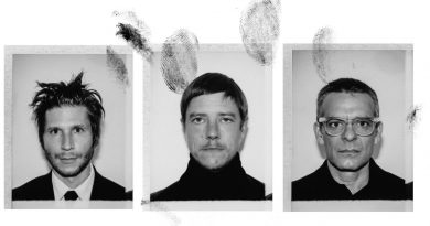 Interpol – A Fine Mess EP