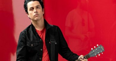 Billie Joe Armstrong – No Fun Mondays